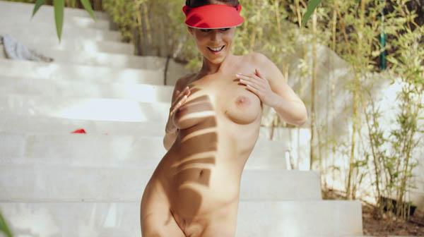 Strip tease XXX filmer glamour sexiga mammor porr bilder